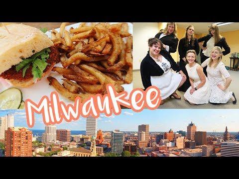 MILWAUKEE TRAVEL VLOG Milwaukee Comedy Festival, Improvised Jane Austen, Honeypie Cafe VICKIE COMEDY