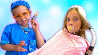 Лиза играет с Евой как с куклой Беби Бон