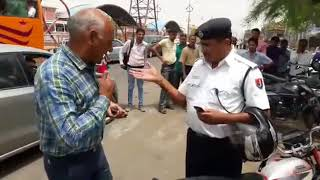Rajasthan Traffic Police raised hands on senior citizen  indian