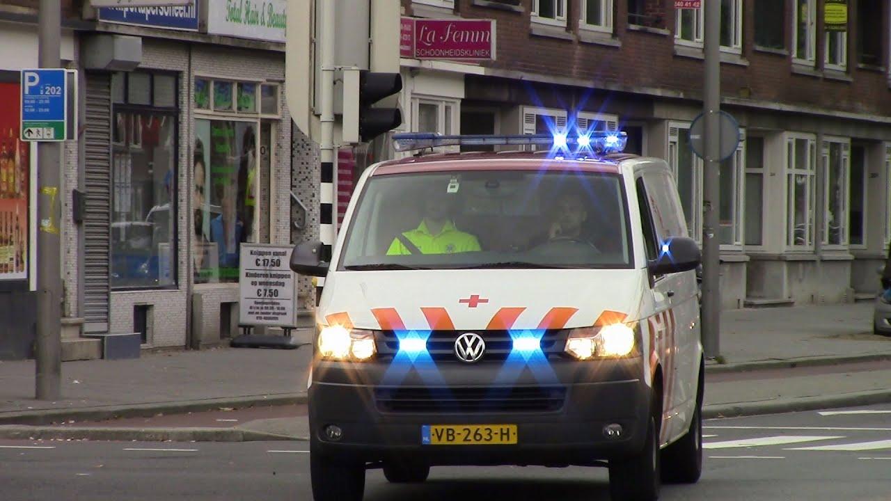Sanquin Bloedbank met spoed door Rotterdam over de Pleinweg