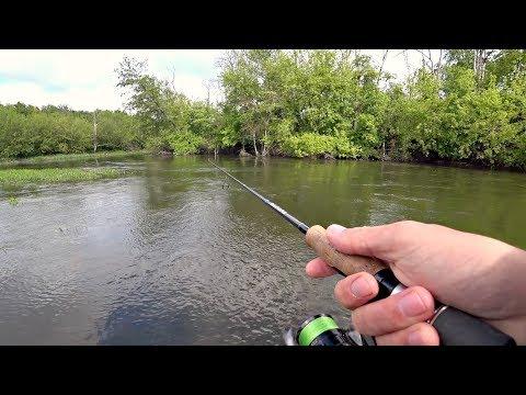 Рыбалка на красивой речке весной. Ловля на спиннинг.