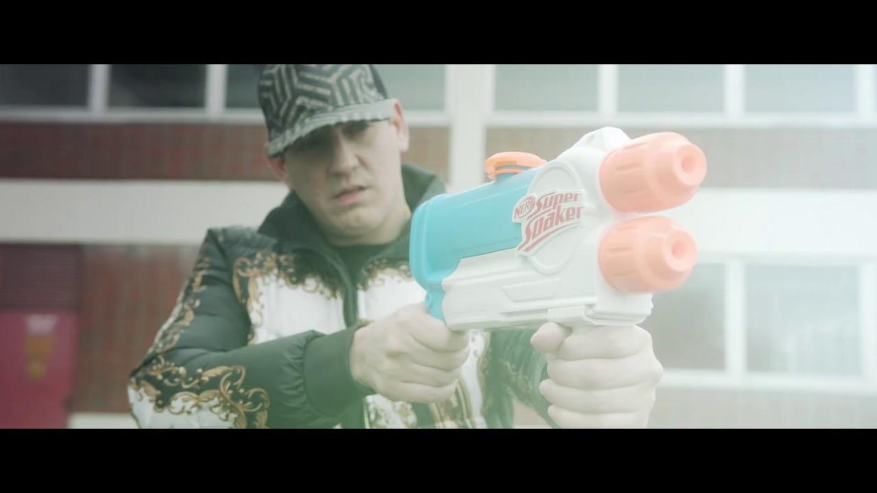 Money Boy Ft. Gloss Up - Body wie ein Mazerati (Official Video) Prod. shvde
