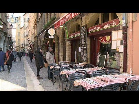 euronews (en français): Covid-19 : Jusqu'où iront les restrictions ?