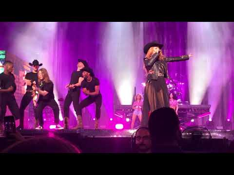 Shania Twain - Whose Bed Have Your Boots Been Under (2nd Evening in Vancouver)