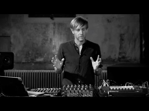 How I PLAY: Richie Hawtin MODEL 1 DJ Setup