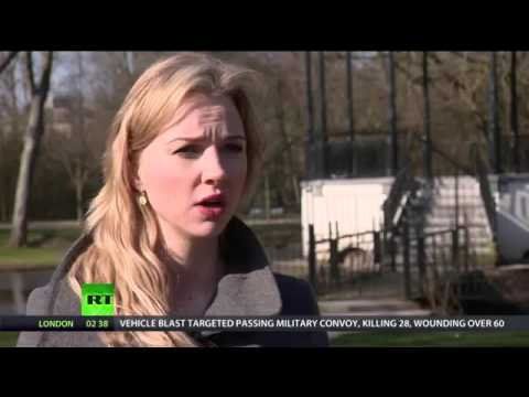 Keiser Report  War on Cash Episode 878 amsterdam!!!