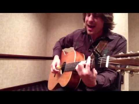 Jimmy Wayne singing Sara Smile
