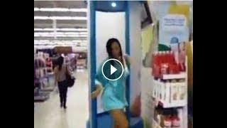 Heboh Wanita Mandi Sampai Lepas Baju Di Supermarket