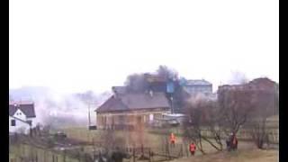 Cama -  08 12 2005 - Wyburzenie żelbetowego komina w Wieliczce