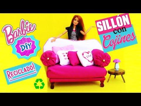 Como hacer SILLONES/ SOFÁ con COJINES para MUÑECAS Barbie muy FÁCIL!// MANUALIDADES PARA MUÑECAS