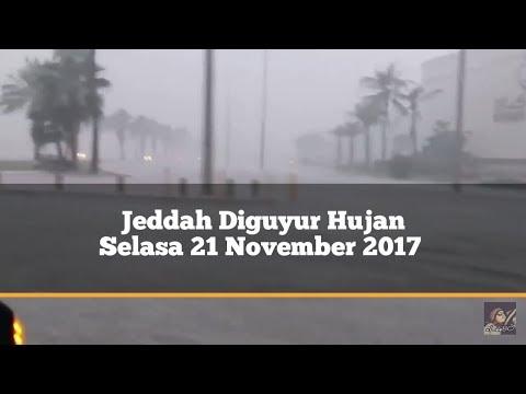Diguyur Hujan Selama 3 jam Air meluap di Jalanan Kota Jeddah selasa 21/11/2017