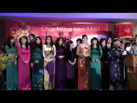 Little Saigon Radio và Hồn Việt TV mừng tết Tân Mão (7) - nhân viên đài LSR