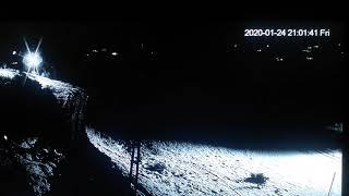 Elazığ 6.8 depremi öncesi gökyüzüne doğru gizemli ışık çıkıyor ...sonrası  sarsıntı oluşuyor .. Resimi