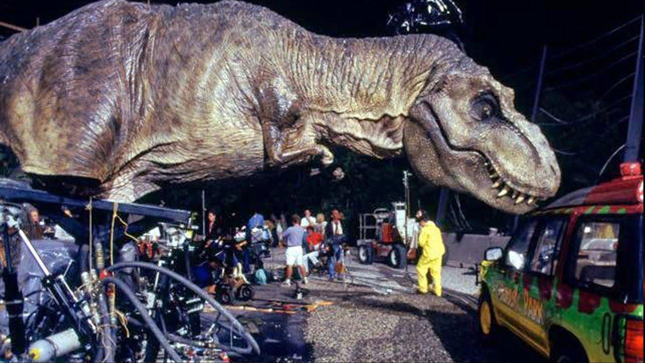 Animatronic Or CGI Dinosaurs In JURASSIC WORLD - AMC Movie