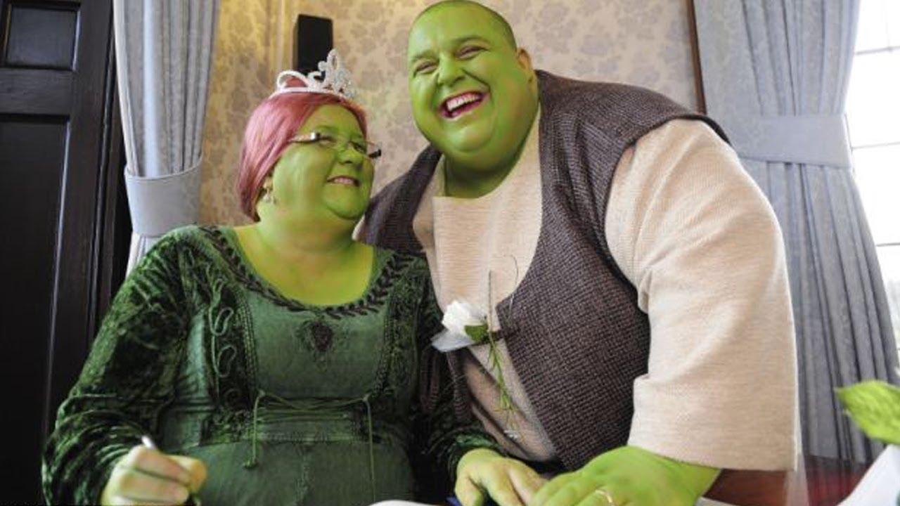 Couple Has A Fairy Tale Shrek Wedding - YouTube