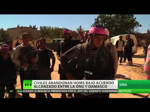 Civiles sirios abandonan Homs bajo el acuerdo alcanzado entre la ONU y Damasco