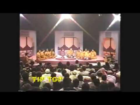 Nusrat Fateh Ali Khan   Tum Ik Gorakh Dhanda Ho