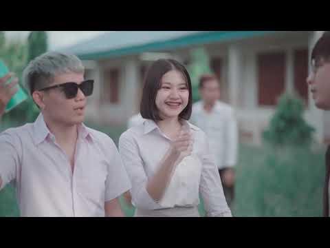 ทำไงดีครับกำลังชอบคนหนึ่งครับ (รักในวัยเรียน) - JaoGolf Ft. Thay Champasak [ Official MV ]