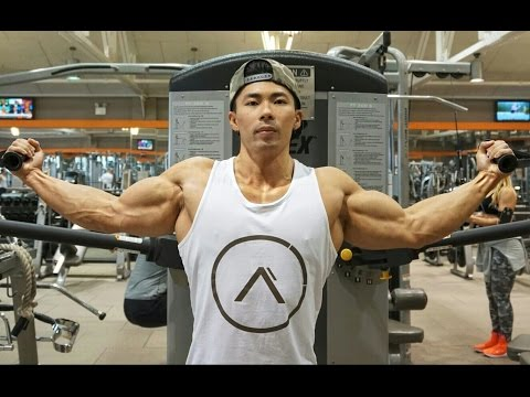 WHY YOU SHOULD TRAIN SHOULDERS WITH YOUR ARMS
