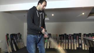 HELL 4 LEATHER TEMPO CRICKET BAT REVIEW