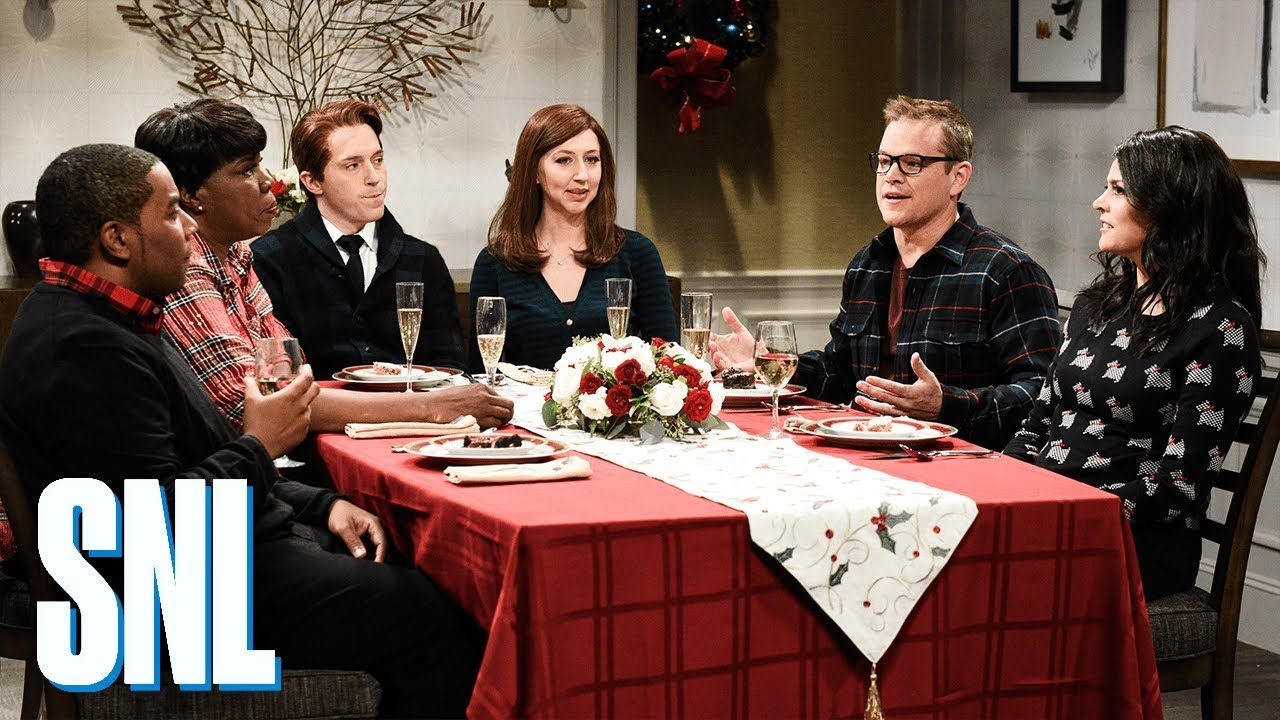 Best Christmas Ever Snl.Snl With Matt Damon Airs A Genius Weezer Argument The