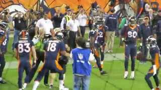 Peyton Manning throws touchdown #509 - breaks NFL record (live from stadium!)