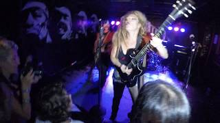 Nashville Pussy - Kicked in the Teeth (ACDC) + Piece of Ass [2018-08-22 le Molotov,Marseille,France]