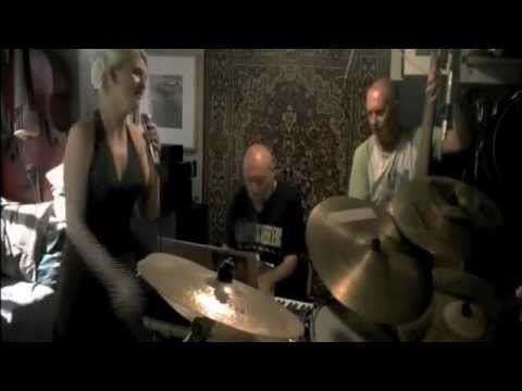 Юлия Гонткевич - Woman in  love (jazz waltz).m4v