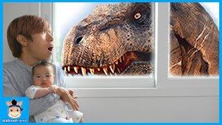 국민이 집에 공룡이 나타났어요! 무사히 방탈출 성공할까요? (꿀잼 상황극ㅋ) ♡ 레고 쥬라기월드 블럭 장난감 놀이 toys | 말이야와친구들 MariAndFriends