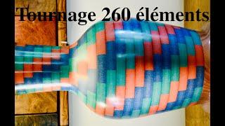 TOURNAGE PIED DE LAMPE EN VALCHROMAT. 260 pièces.