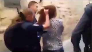 الاعتداء على شابة مقدسية ونزع حجابها من قبل شرطة الاحتلال
