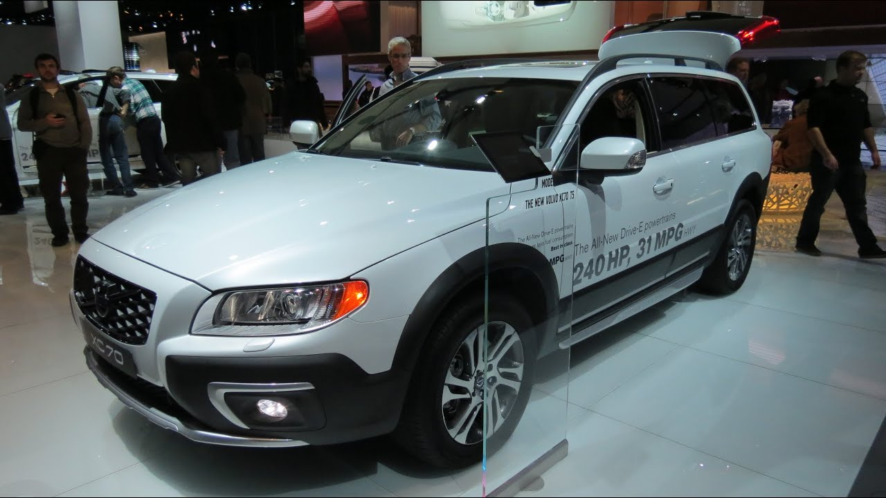 2015 volvo xc70 ts at the 2014 naias auto show youtube. Black Bedroom Furniture Sets. Home Design Ideas