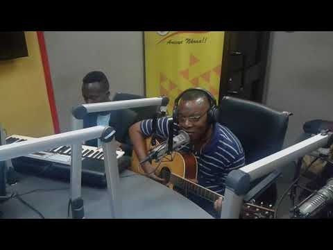 NII ADOTEY PERFORMING ON SHOWBIZXTRA WITH DOCTAR CANN