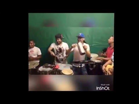 Don Miguelo - Tocando Bachata En Su Casa