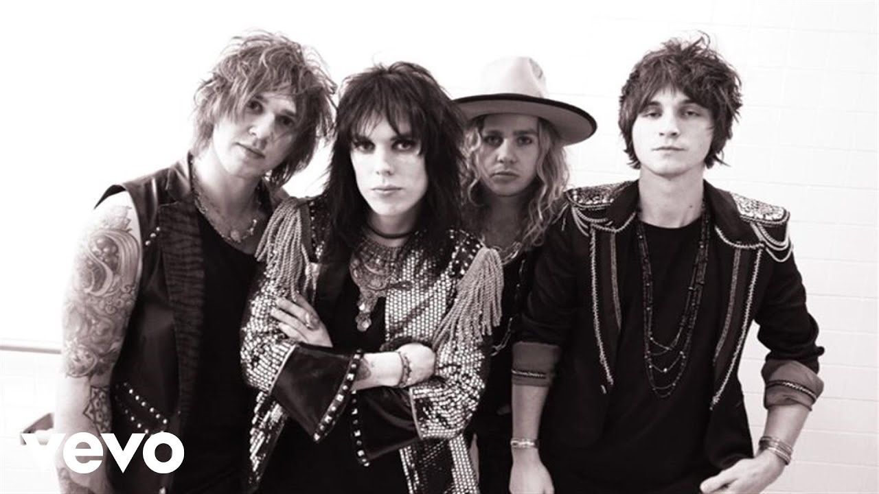 The Struts Kiss This Official Video Youtube