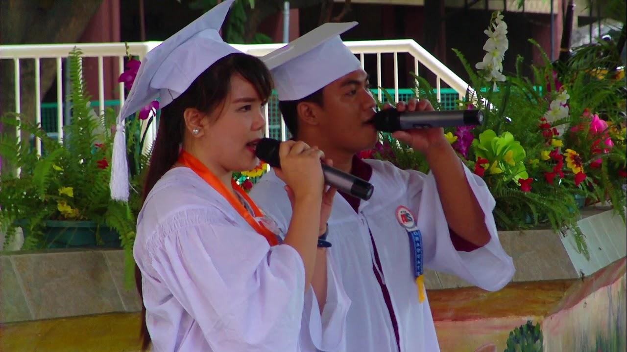 """Download Albert with grad mate singing """"Pasasalamat"""""""