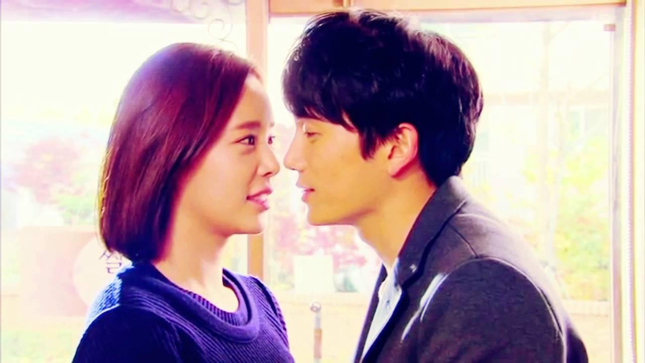 SECRET LOVE KISS