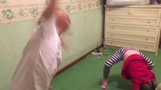 УРОКИ ГИМНАСТКИ ДОМА Детский канал Ваша Алиса Для детей