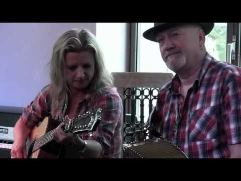 Cajun Roosters and Steve Riley - Separation Waltz