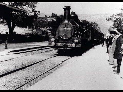 L'arrivée d'un train à La Ciotat (1896) - Auguste Lumière and Louis Lumière