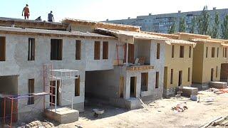 Строительство домов ТАУНХАУС  в Черкассах Часть 1(, 2016-06-04T19:40:15.000Z)