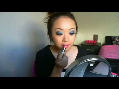 Get Ready with AnnaBellStyle: Funky Electric Blue Eyes & Hot Pink Lips