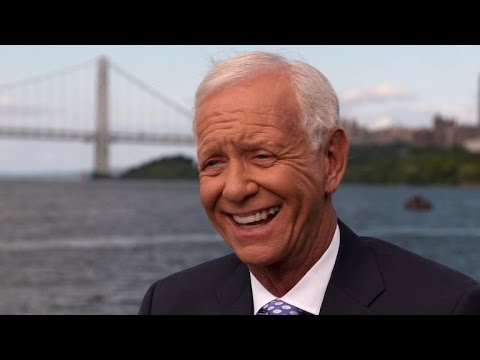 """Sully"" Sullenberger returns to the Huson River"