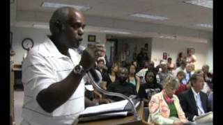 Superintendent faces angry public over Obama education speech decision