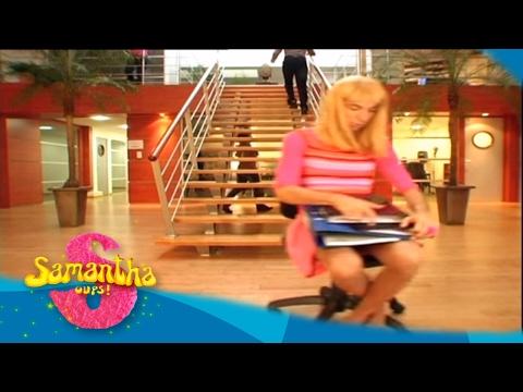 Samantha Oups ! Samantha au bureau