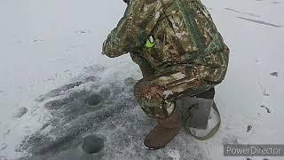 Зимняя рыбалка на водохранилище
