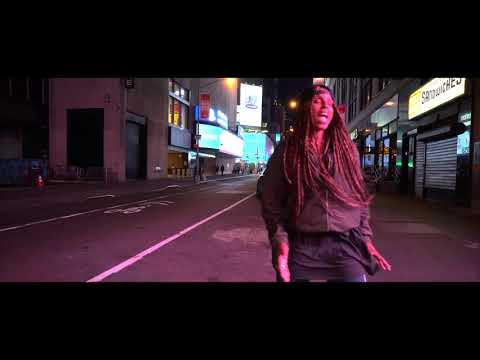 "ANGELA HUNTE - ""RUNAWAY LOVE"" (OFFICIAL MUSIC VIDEO)"