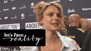 Sarah ignoriert Simone! Ist Simi traurig? | Let's Face Reality | ProSieben
