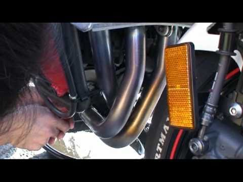 Motorcycle Oil and Filter change - Yamaha R1 - Installing Frame ...