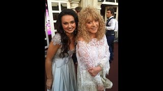 Затмила всех! Алла Пугачева появилась на свадьбе внука в роскошном белом платье